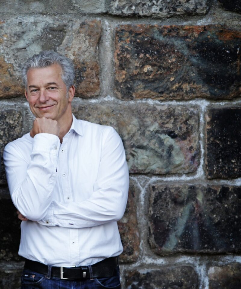 Dr. Peter Ufer